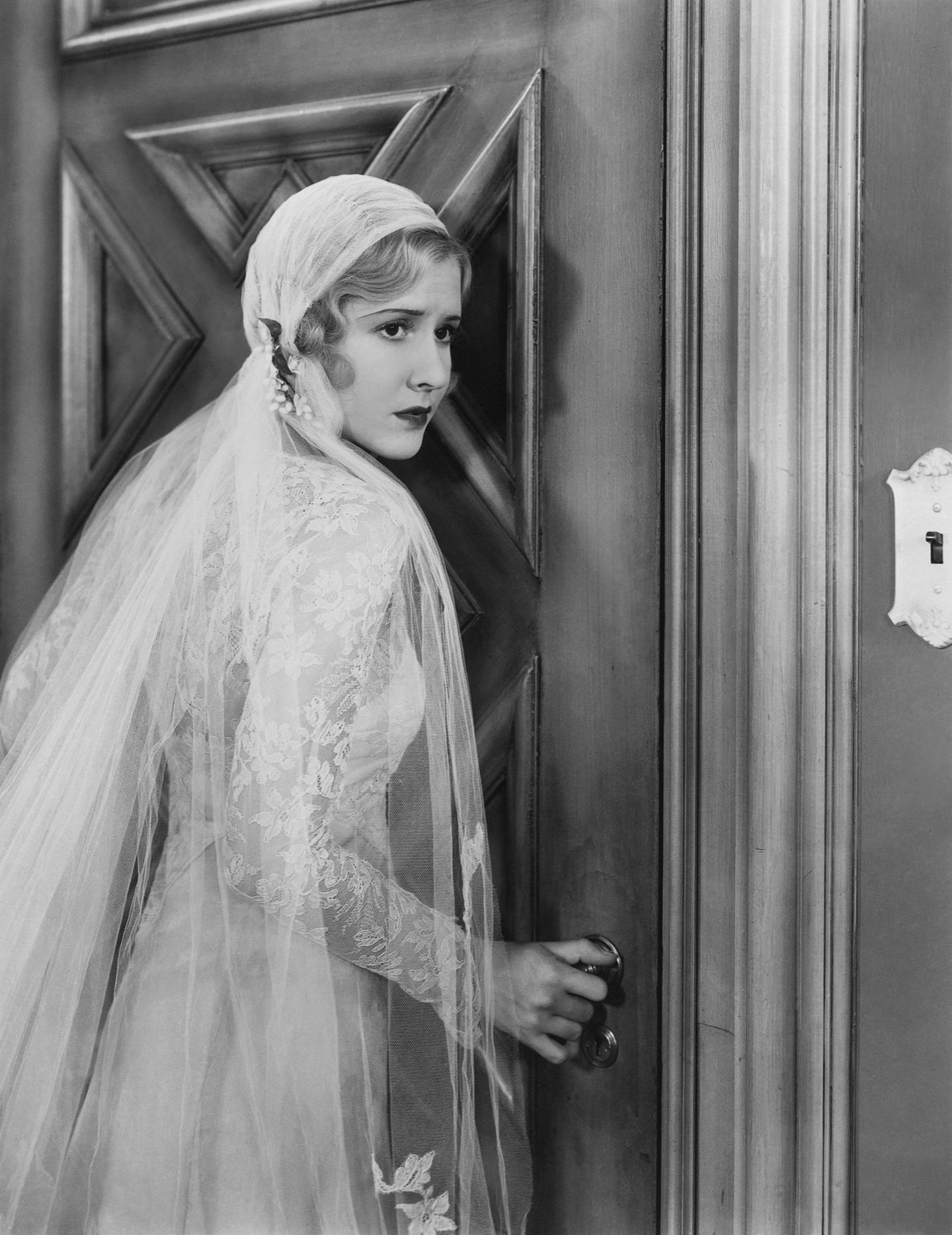 Mae Clarke Wearing A Wedding Dress In Frankenstein 1931