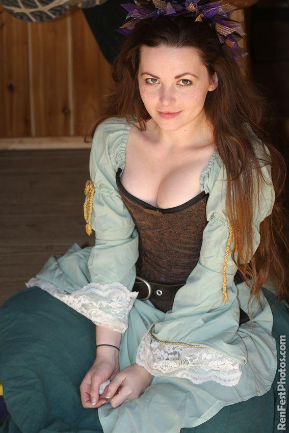 Maggie green boob