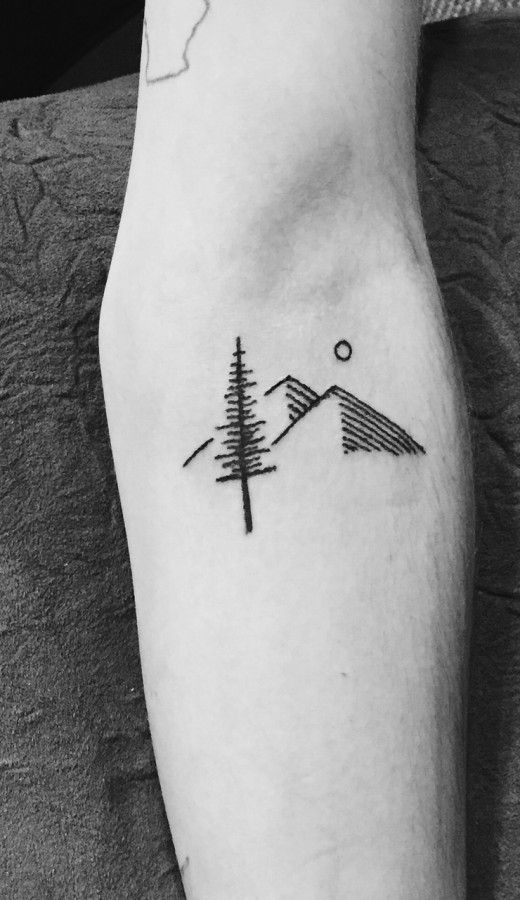 Simple Mount Tattoo Artful Tatouage Tatouage Montagne Tatouage