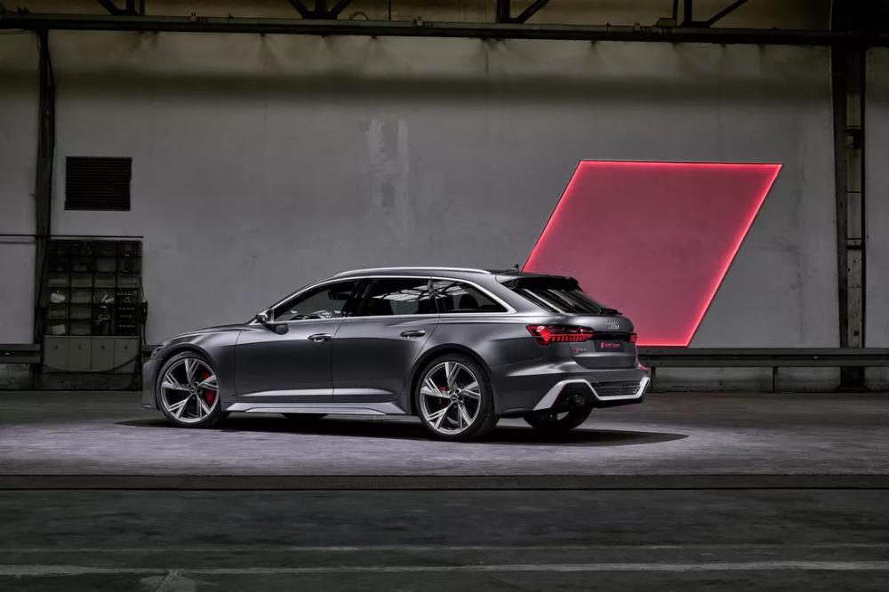 2020 Audi Rs6 Avant Bows At Frankfurt With 592 Hp 190 Mph Top Speed In 2020 Audi Rs6 Audi Rs Audi Rs6 Wagon