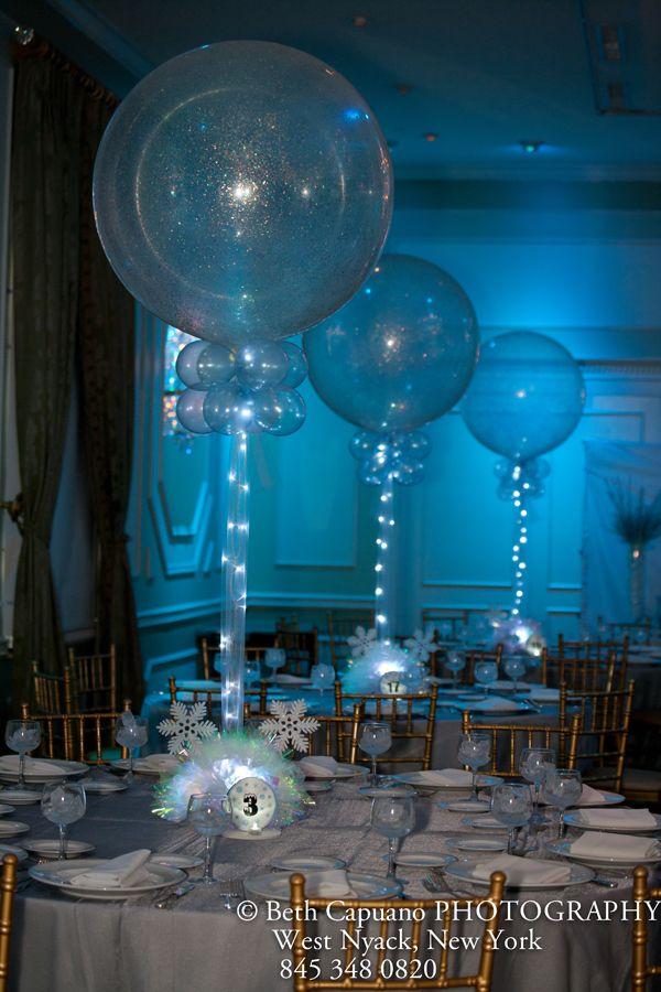 Sparkle balloons with tulle lights centros de mesa