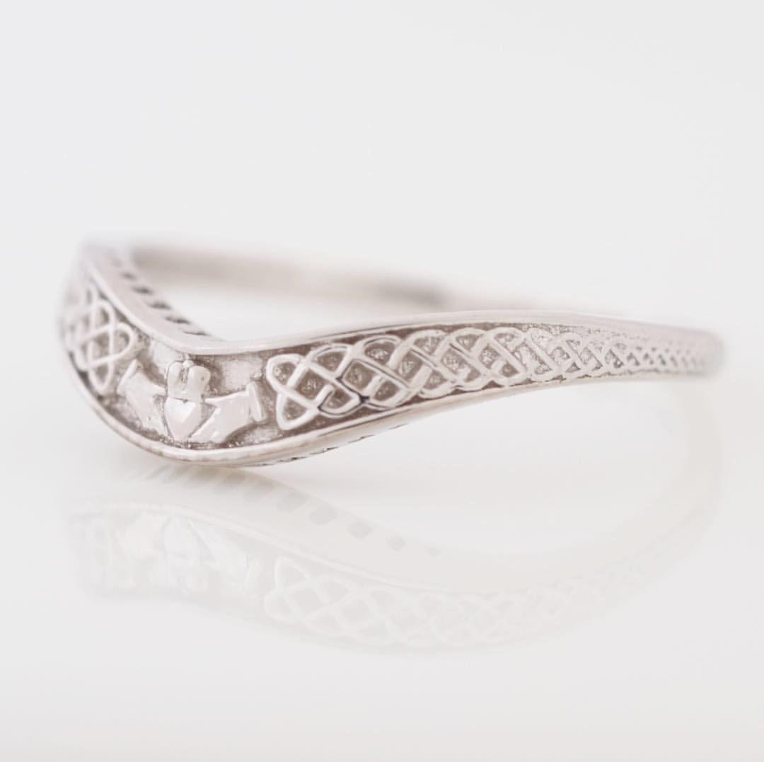 Irish Wedding Gifts From Ireland: Delicate Curved Claddagh Irish Wedding Band