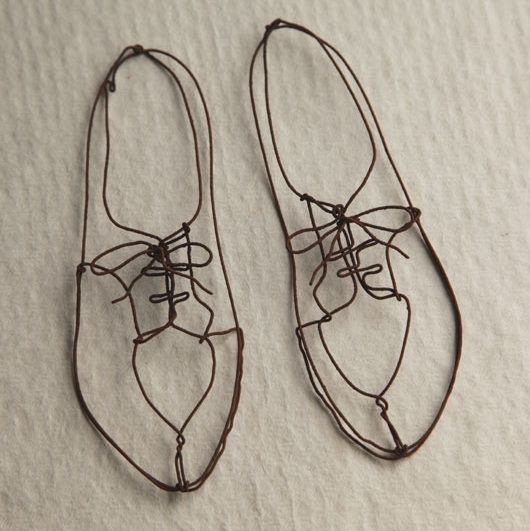 33 amazing diy wire art ideas wire art ishikawa and for Shoe sculpture ideas