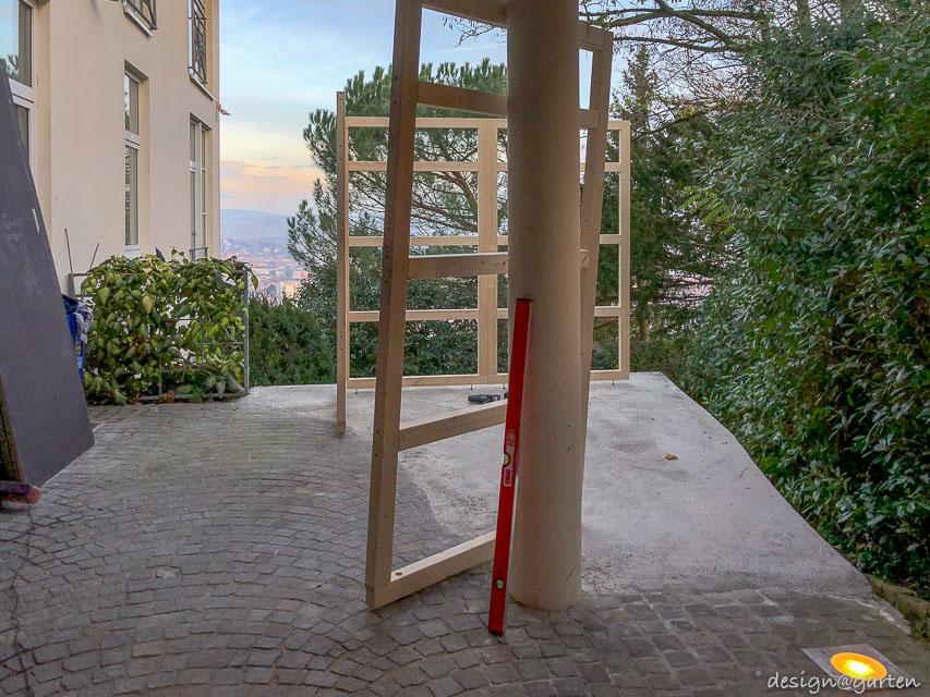 Design Gartenhaus Gart Unter Einem Carport Mit Stutze Im Gartenhaus In Bad Kreuznach Design Garten In 2020 Garden Arch Outdoor Carport