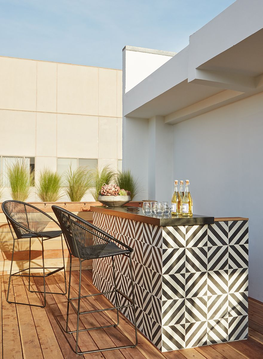 Black and white outdoor bar
