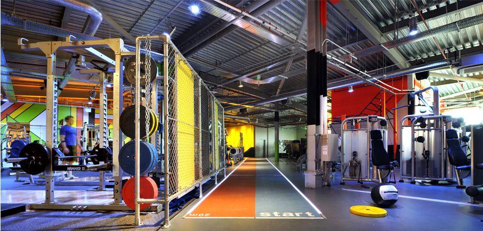 Gymbox London Interior De Gimnasio Diseno De Gimnasio Sesiones De Ejercicio