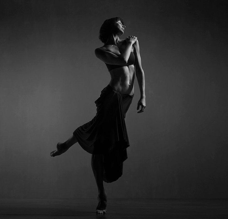 наслаждайтесь картинка когда девушка танцует то как она выглядит кимберли эмберг