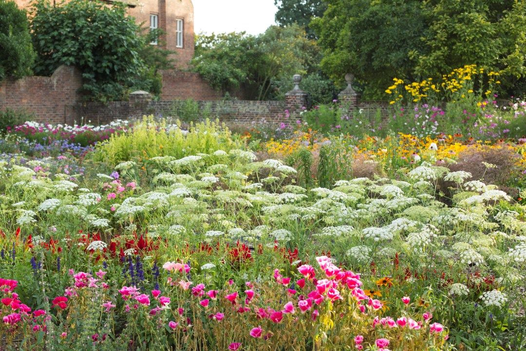 Nt Osterley Park Gardens Rachel Warne English Cottage Garden Beautiful Gardens Cottage Garden