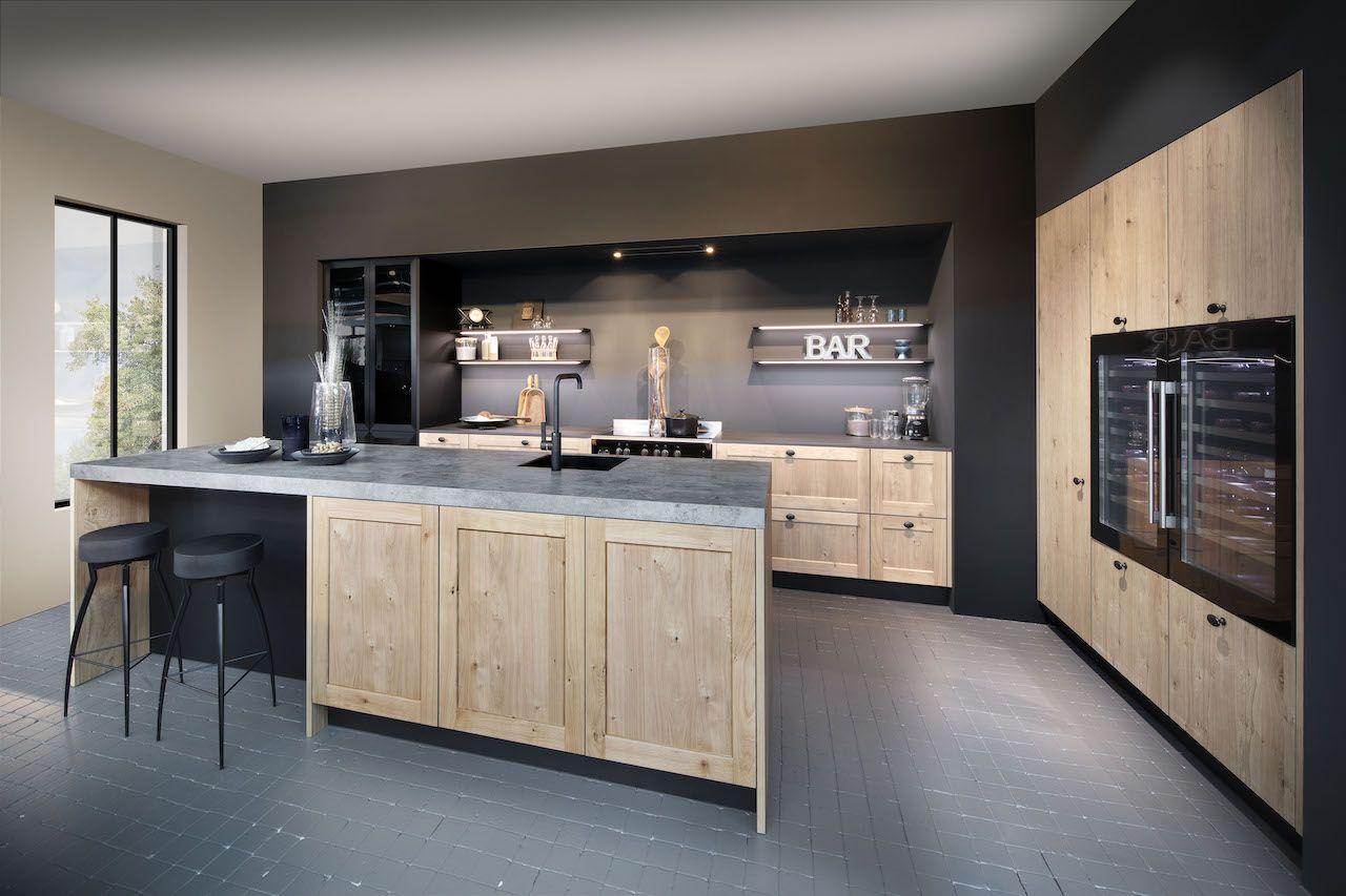 Grijze Houten Keuken : Houten keuken met betonlook en grijs keukenblad door de ombouw is