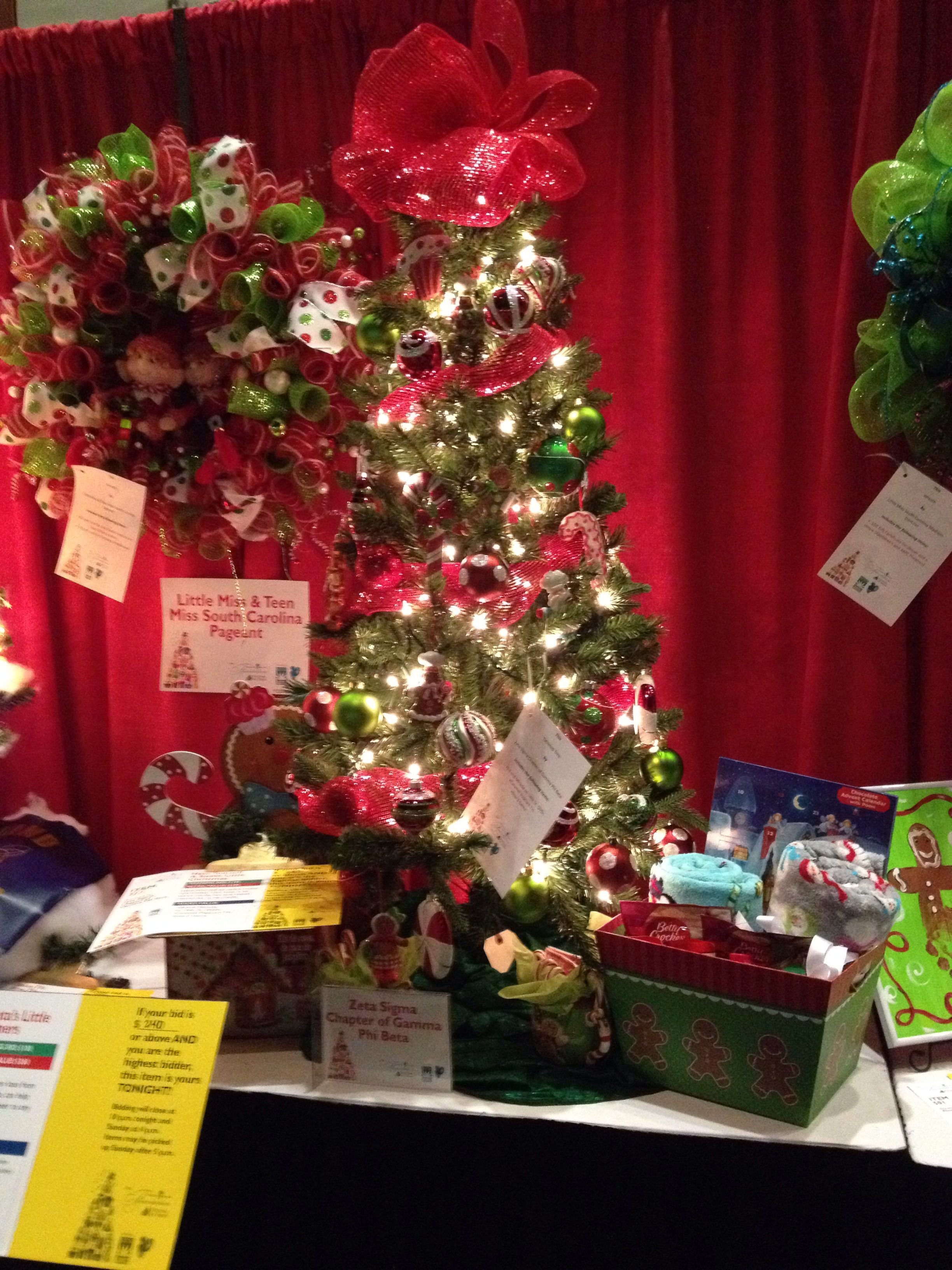 Christmas Tree That Zeta Sigma Donated To The Palmetto Baptist Hospital S 2013 Festival Of Lights Usc Gamma Phi Festival Lights Christmas Tree Holiday Decor