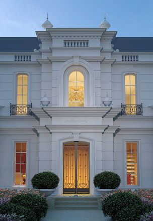Luxury classic home design for Classic luxury homes