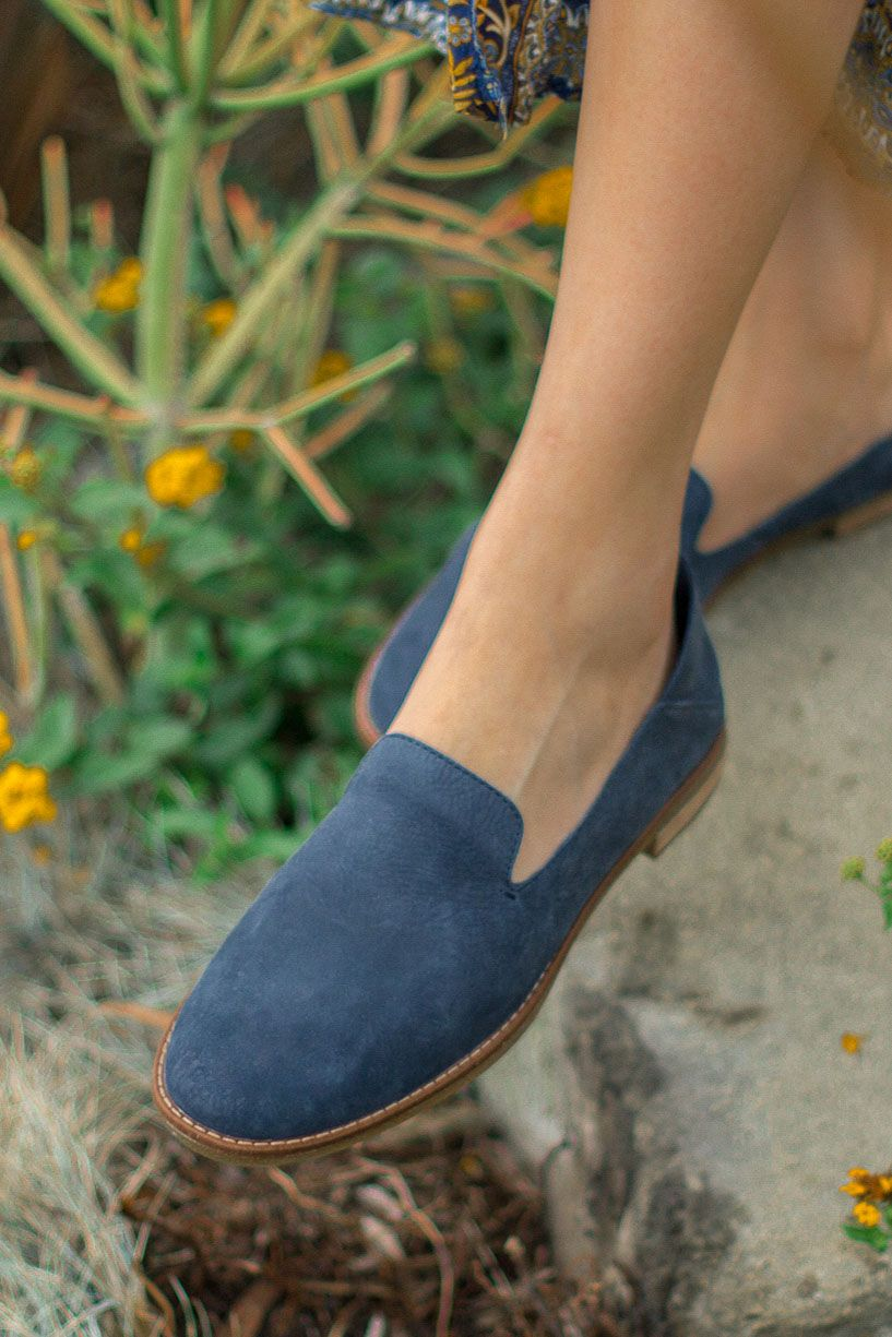 9a9de0cbf1b  saratoufali  SperryMyWay Style blogger Sara Toufali of Black and Blooms  wears the Seaport Levy Loafer in navy. Pair this smoking slipper with your  favorite ...