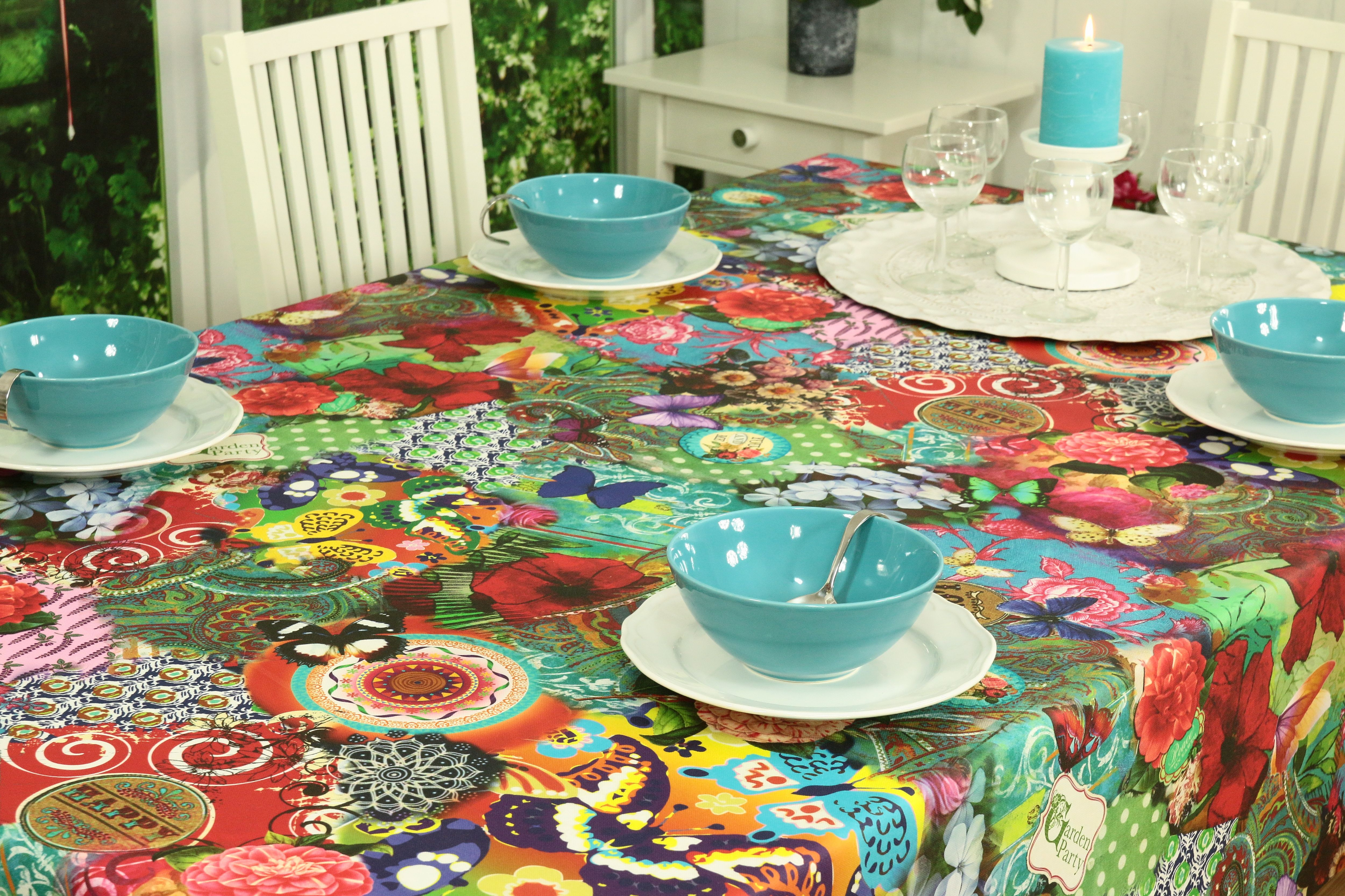 sehr bunte tischdecke mit anti schmutz effekt das farbenfrohe muster bringt freude an den tisch. Black Bedroom Furniture Sets. Home Design Ideas