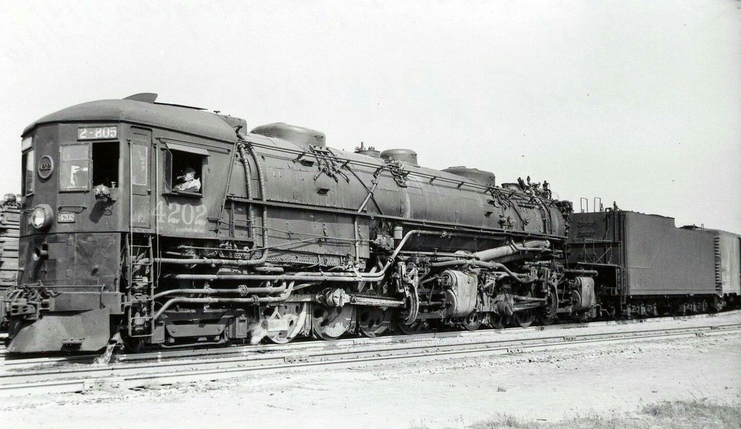 A 4-8-8-2 Southern Pacific AC 8 Cab Forward locomotive ...