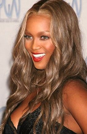 Tyra Banks Brown Hair With Strawberry Blonde Highlights