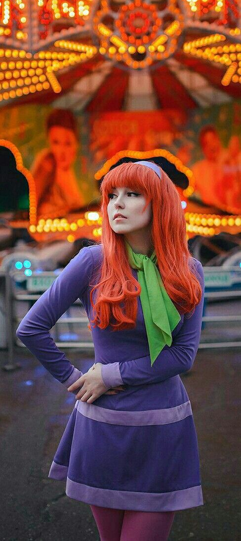 Pin By Jill Kissel On Holidays Halloween Cosplay Daphne Costume