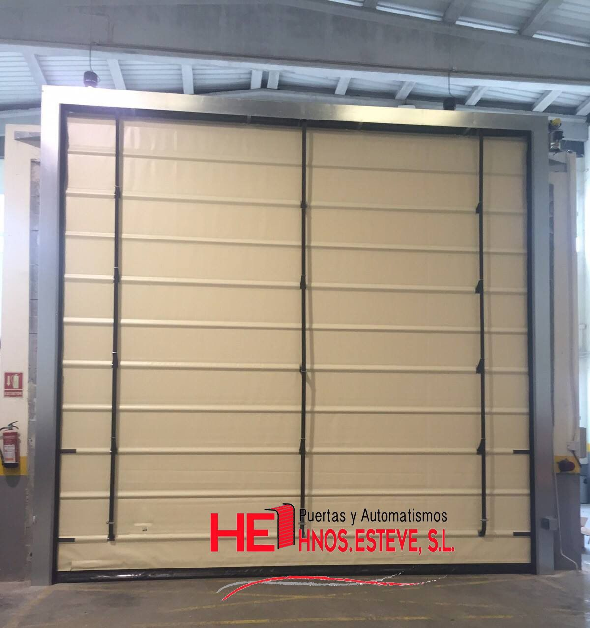 tipos de puertas automaticas de garaje