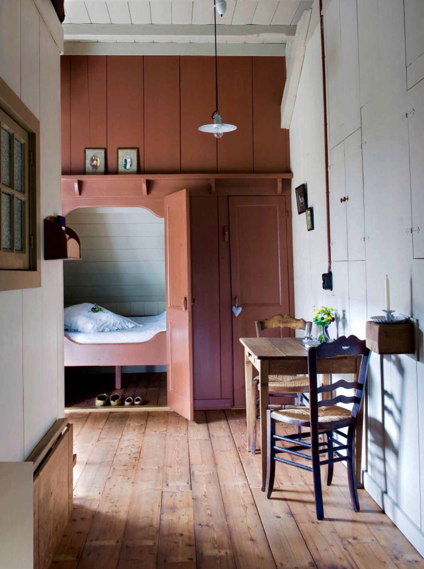 Pin by Robyn Thran on Other Sleeping nook, Home, Box bed