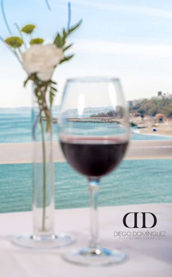 #wine #romantic #beach #playa #romantico #cena #amor #love #spain #españa #coin #fine #seville #malaga #fuengirola #marbella #photography #fotografía #product #productos #comerciales #publicidad #marketing www.diegodominguezfoto.com
