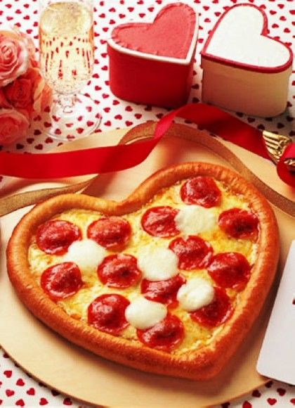 domino's pizza japan caters to food lovers with happy valentine, Ideas