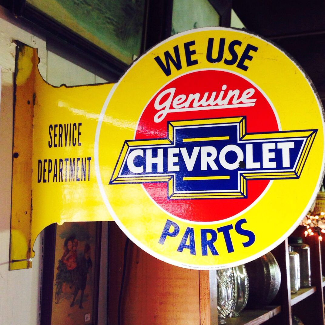 Found this Vintage / Antique CHEVROLET SIGN today using an