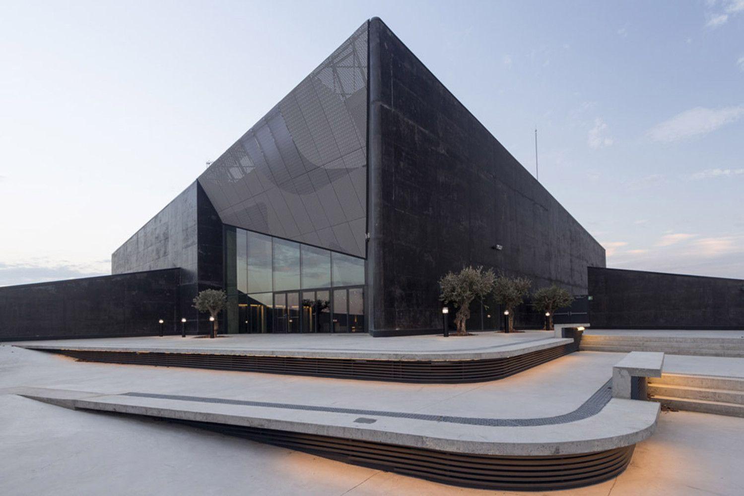 Gallery of CaixaForum Zaragoza / Estudio Carme Pinós – 7