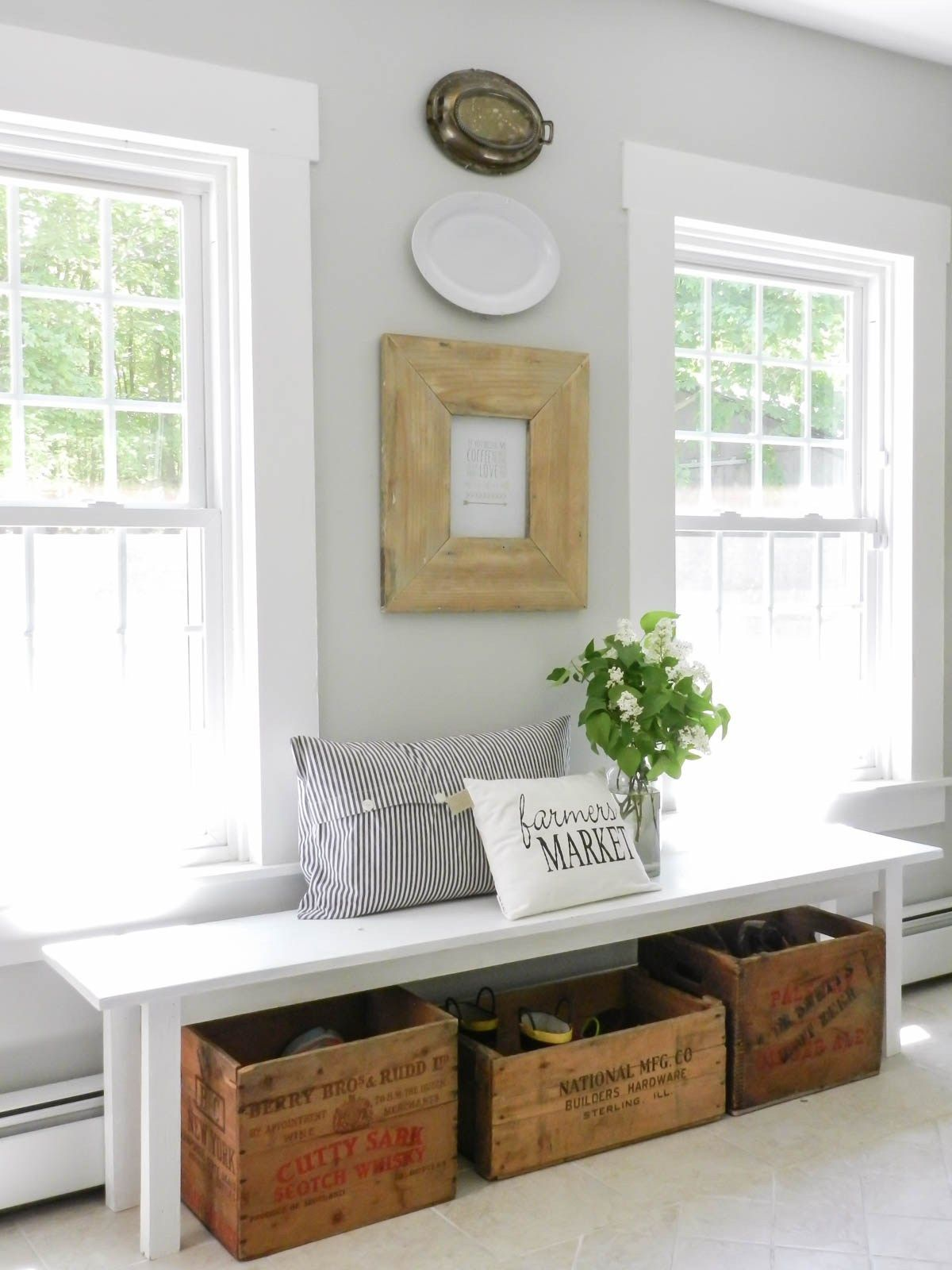 How To Decorate An Entryway With Images Decor Home Decor