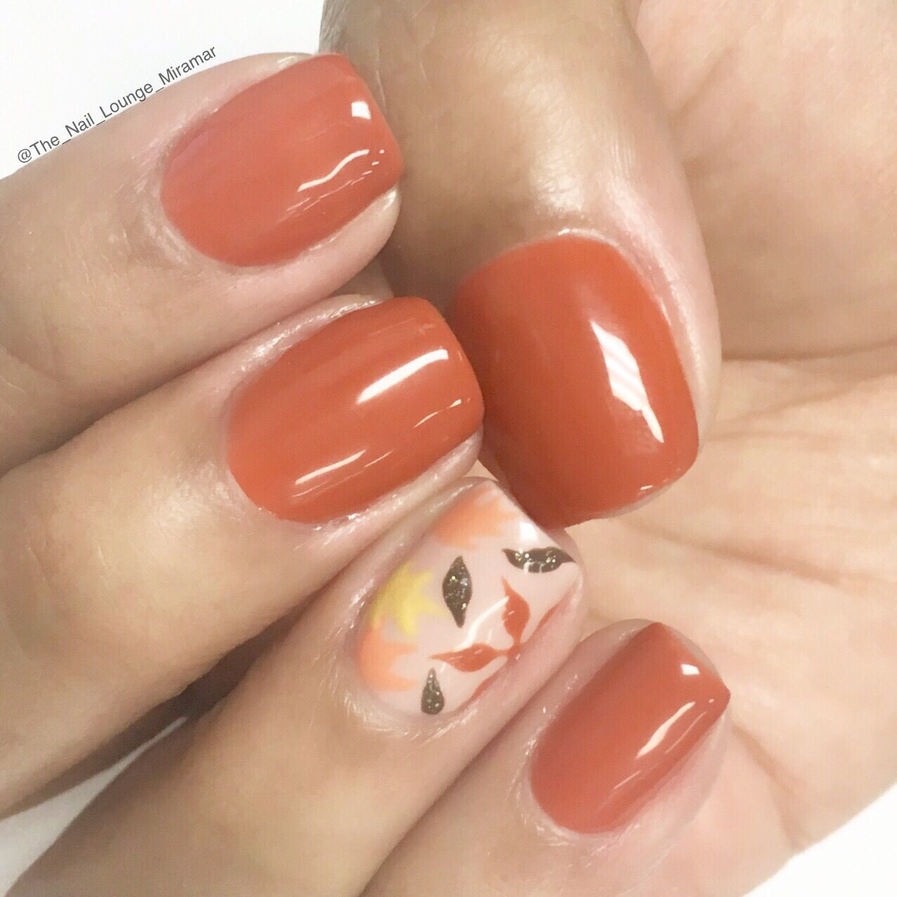 Simple Fall Nail Designs: Fall Leaves Nail Art Design