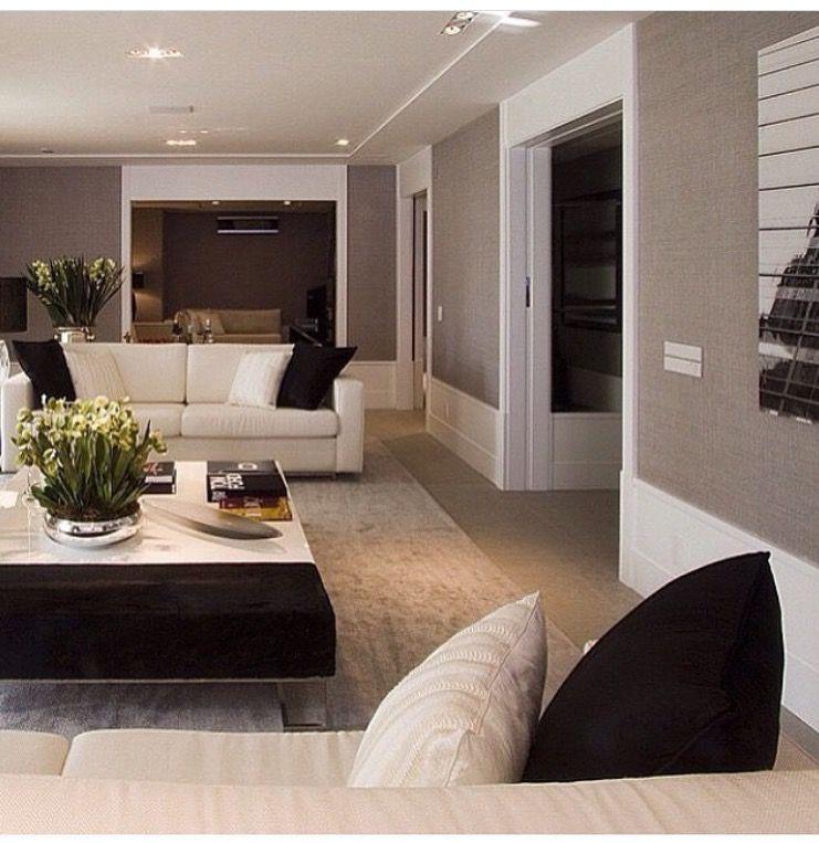 Industrial Home Design Endüstriyel Ev Tasarımları: Rodapé Alto, Portas Brancas