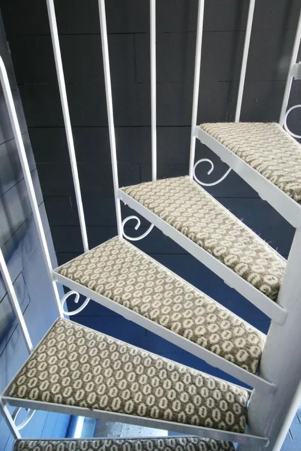 Best Diy Carpeting Spiral Stairs Diy Carpet Spiral Stairs 640 x 480
