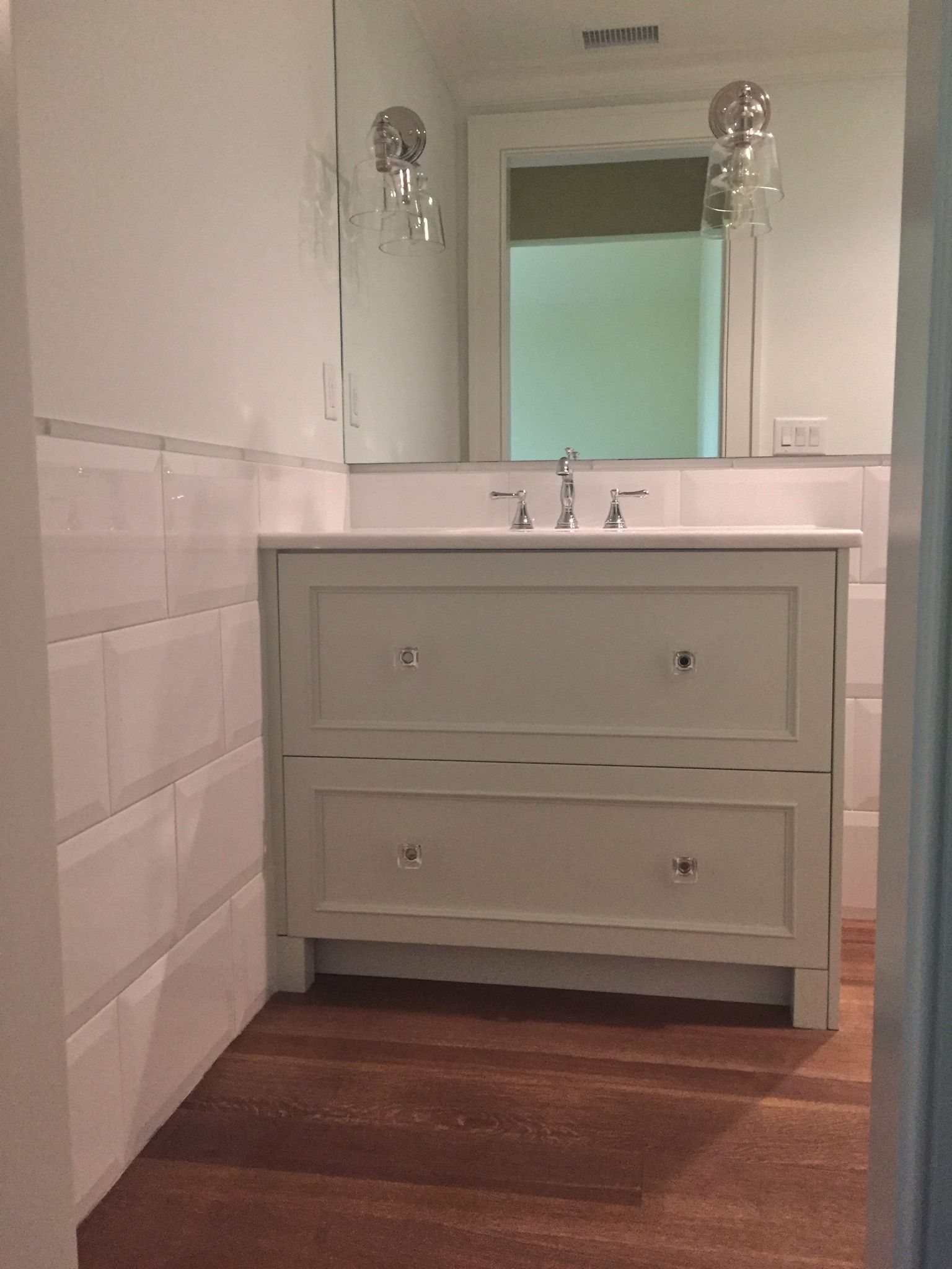 8x10 Beveled White Porcelain Tile As Wainscot With Glass