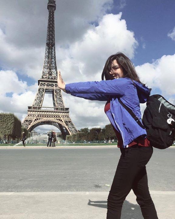 молодоженам, которые идеи позы для фотосессии в париже соликамский магниевый