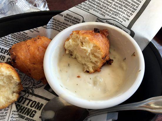 Man Fuel Food Blog - Iggy's Boardwalk - Warwick, RI - Clamcakes and Chowder