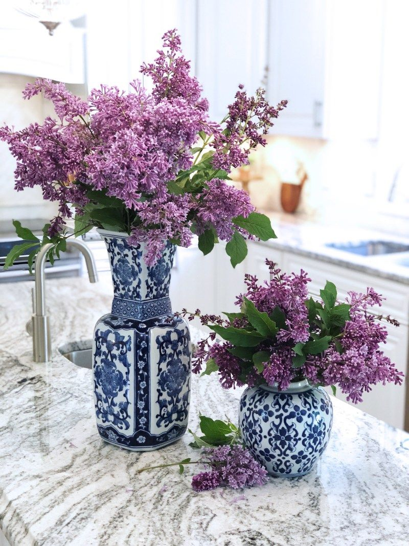 Fresh Lilacs And How To Care For Them Blue White Vase Flower Vases Lilac Bouquet