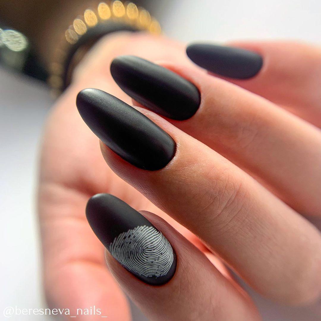 231 Likes 2 Comments Manikyur Pedikyur Kursy Ekb Beresneva Nails On Instagram Esli Lyubish Matovyj Chyornyj Nails Beauty