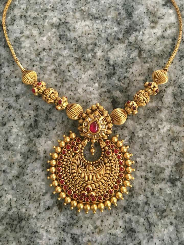 Pin By Angelin Babu On I Like Jewelry Antique Jewelry Indian Gold Jewelry Fashion Gold Necklace Designs