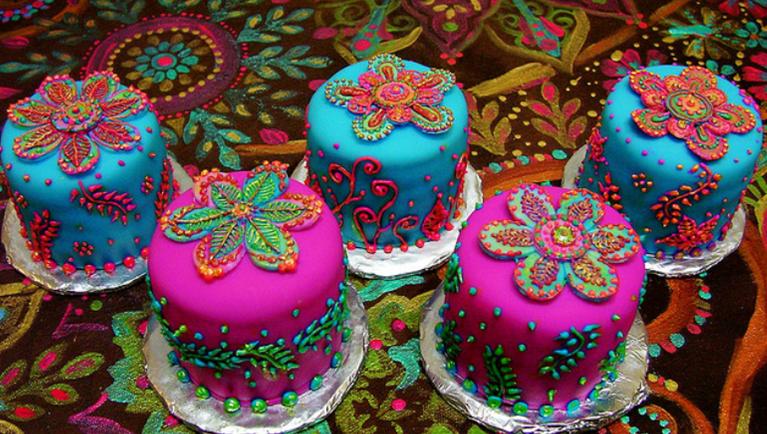 Mehndi Cake Quotes : Henna inspired birthday cakes desserts beautiful
