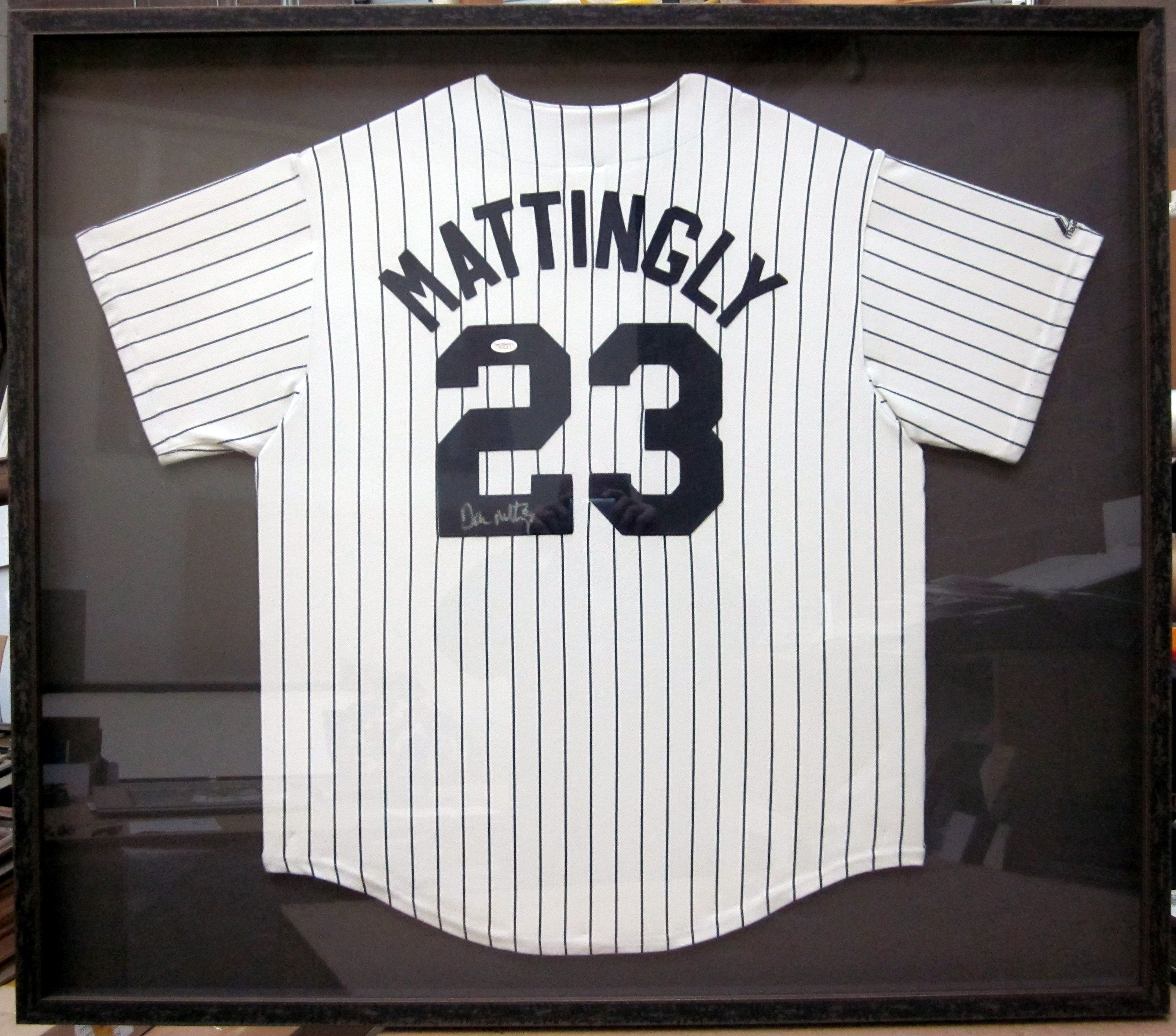 Don Mattingly Signed Jersey. 1982-1995 New York Yankees. .307 All-time  batting average dd06d053129