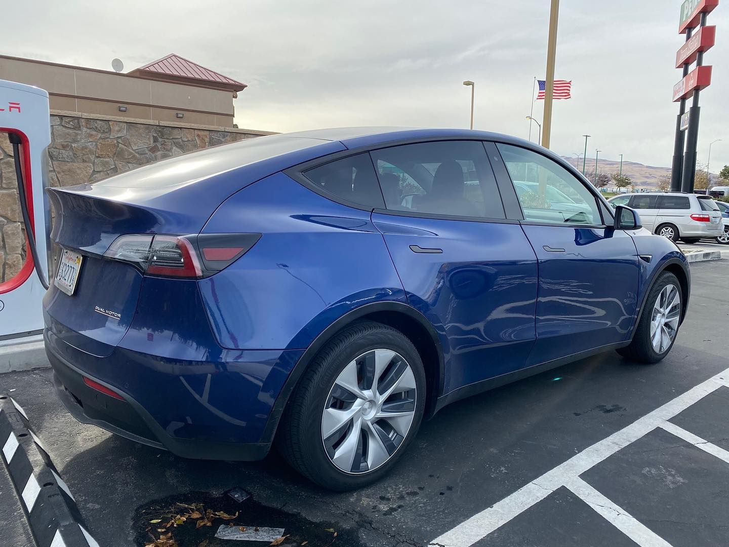 Model Y Has Been Spotted Again Follow Teslavibes For More Awesome Tesla Pictures And News Tesla Model Tesla Car Tesla Model X
