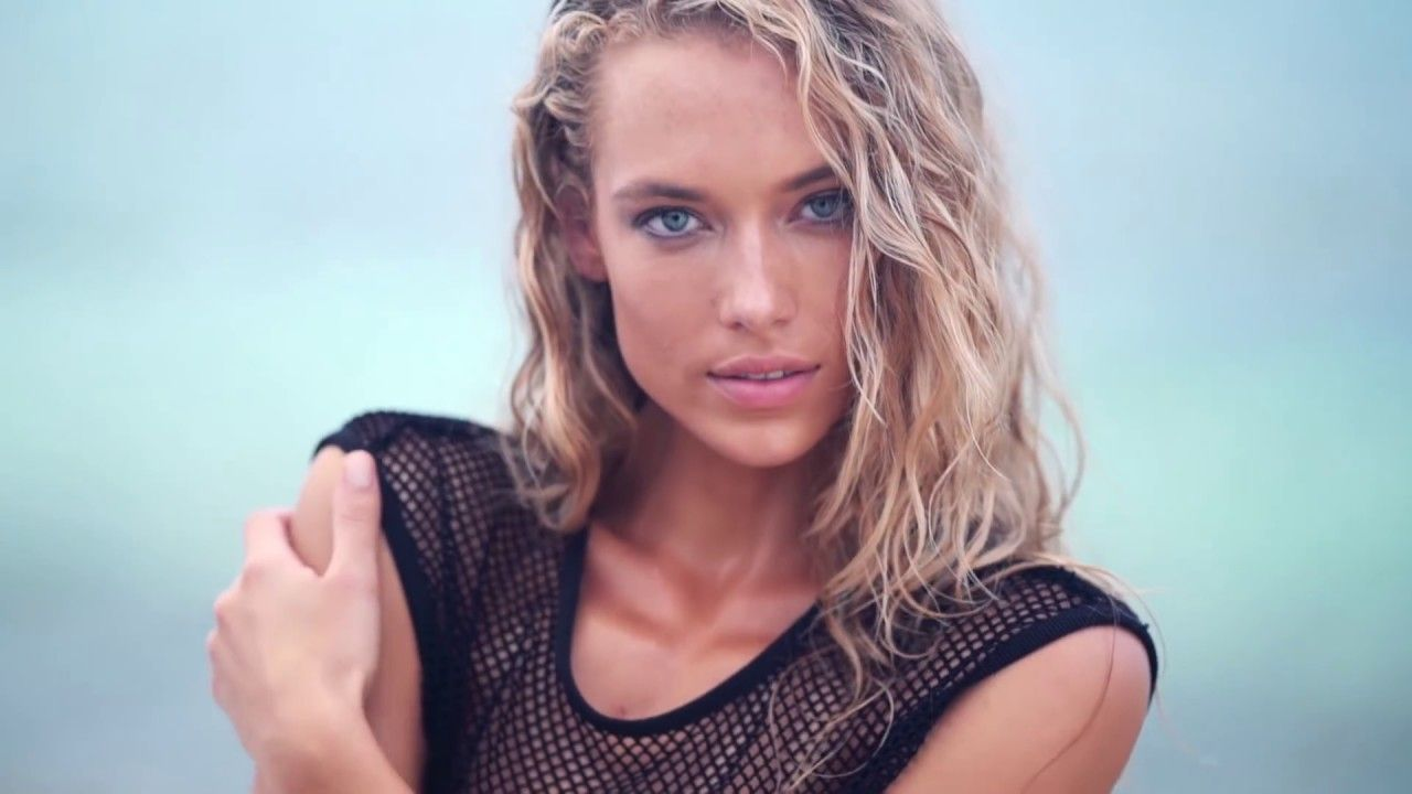 Hannah Ferguson Dares To Bare In Fiji Uncovered Sports