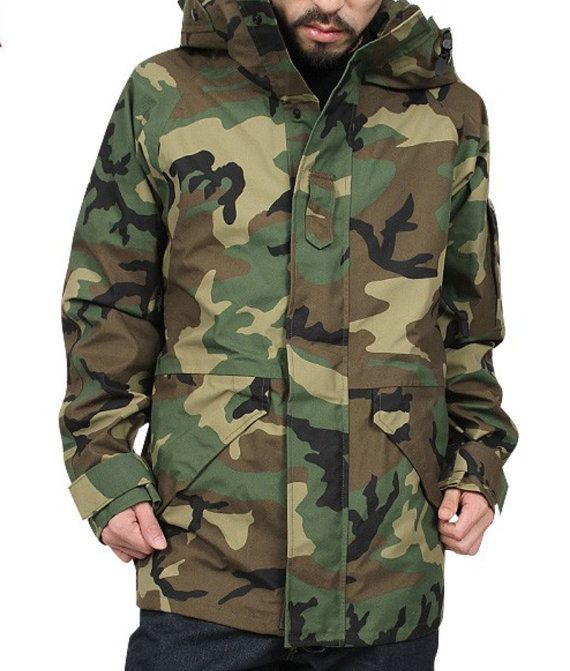 90bde9d1a7cff Like new US Army ECWCS Gen1-Parker woodland camouflage military. Great for  ski and snowboarding. Stylish look has made its way into everyday street  wear.
