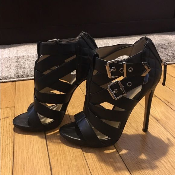 Aldo black leather heels size 5 (fits like 5.5)