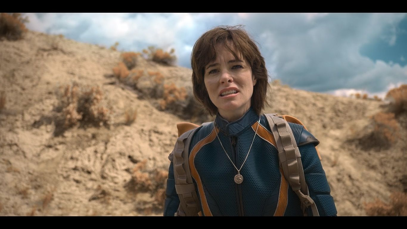 Parker Posey As Dr Smith June Harris In Season 1 Episode 2 Of
