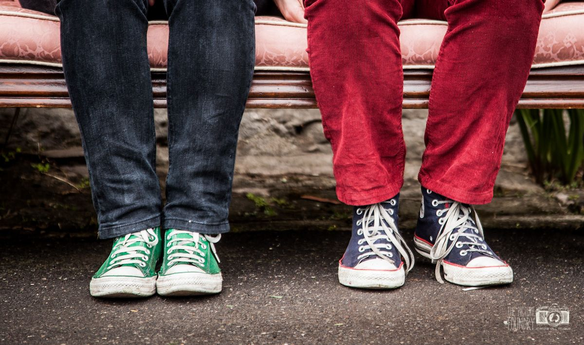 Relaxed and fun family photo shoot – Chelsea, Darryll and family | converse - trainers - shoes - family - couple - photography