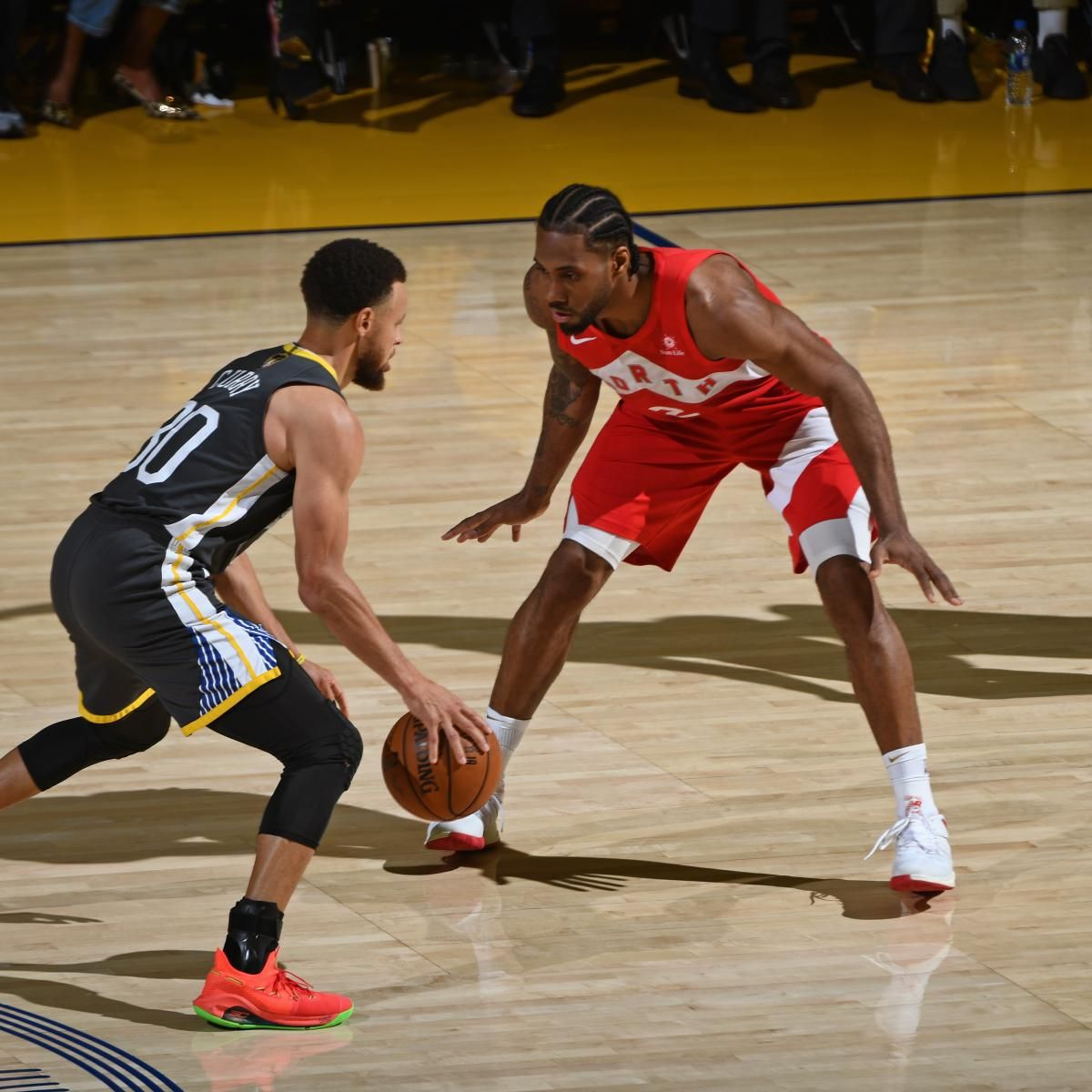 Kawhi Leonard Raptors Top Warriors For 1st Nba Title After Klay Thompson Injury Klay Thompson Injury Basketball Clothes Basketball Game Outfit