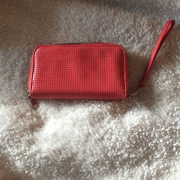 Super cute peach wallet Never used it. Like brand new Mossimo Black Bags Wallets