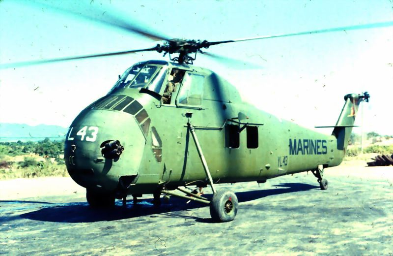USMC helicopter in Vietnam    Vietnam War   Us military aircraft