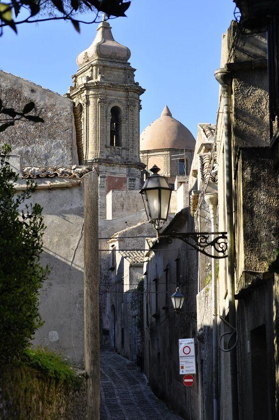 San Vito Lo capo - scorcio della chiesa di San Giuliano Erice