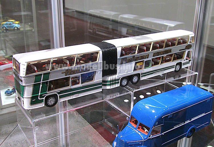 Spielzeug Busse