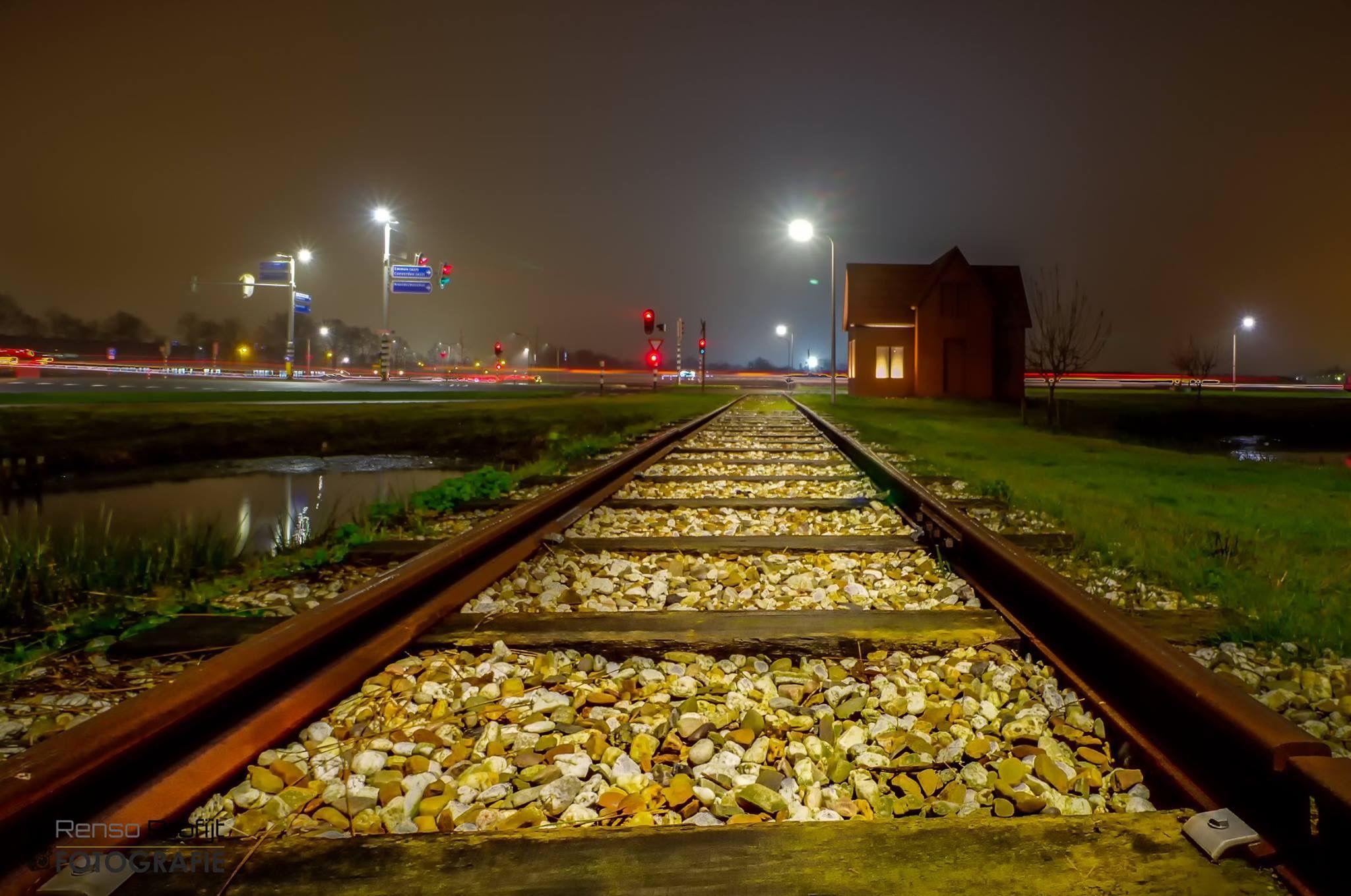 T,huisje bij het spoor, nabij het vliegveld in Hoogeveen.